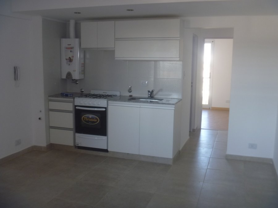 Lb inmuebles departamento 1 dormitorio genova 1200 for Pisos para cocina comedor living